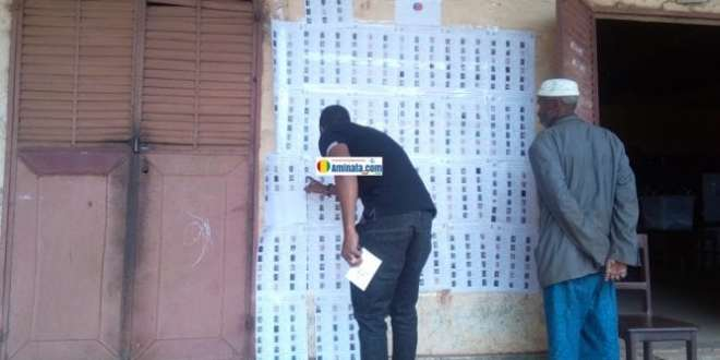 Faible mobilisation devant un bureau de vote à Labé