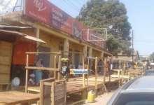 Des boutiques et magasins fermés lors d'une journée ville morte à Kindia