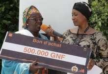 Mme Thiadji Boiro de Donka gagnante de la promo Orange Money