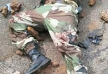 Le militaire béret rouge grièvement blessé à Bambéto