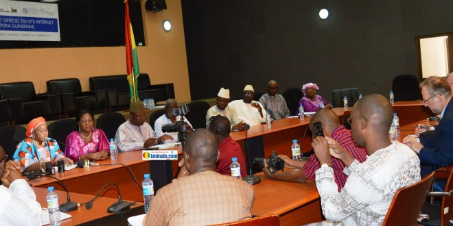 Cérémonie de lancement site diaspora guinéenne dans la salle de conférence du ministère des affaires étrangères
