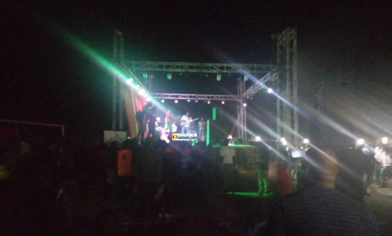 Lors du concert de Tati Tati au stade de Labé