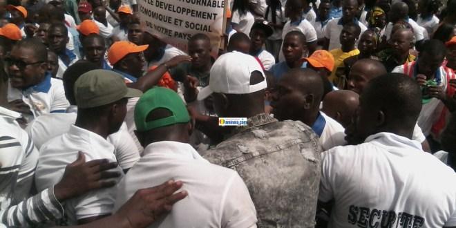 Des violentes altercations entre travailleurs au Palais du peuple à l'occasion du 1er mai, journée internationale de travail