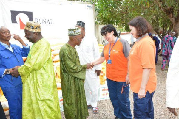 Rusal Friguia fait un important don de vivres aux imams
