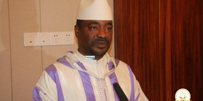 Tibou Kamara, ministre d'Etat à l'Industrie et des PME lors d'une conférence de presse
