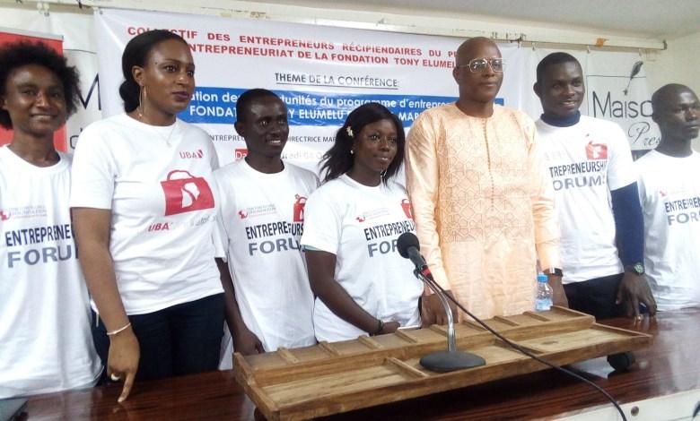 Les membres du collectif des jeunes entrepreneurs récipiendaires du programme d'entrepreneuriat de la Fondation Tony Elumelu et de l'UBA Market