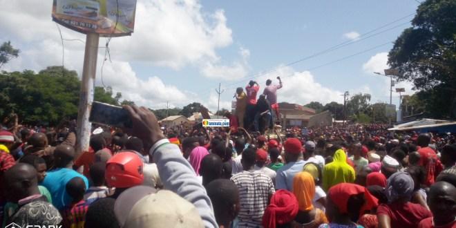 Manifestation du Front national pour la défense de la constitution (FNDC)contre un éventuel 3e mandat
