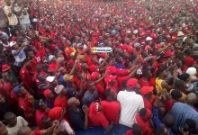 Forte mobilisation des partisans du Front national pour la défense de la constitution (FNDC)