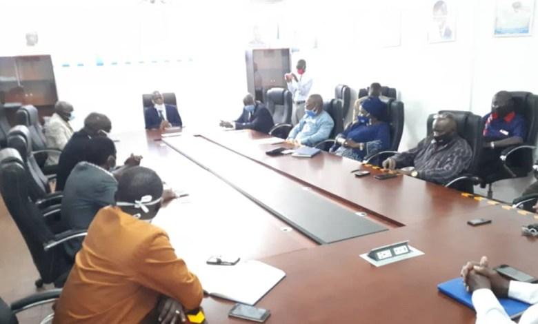 Réunion de la Direction générale la Société des eaux de Guinée (SEG) dirigée par Pépé Patrice Loua