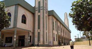 Labé les forces de l'ordre gardent la grande mosquée Karamoko Alfa mo Labé