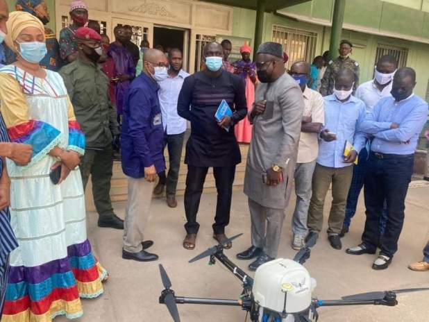 Pour initier des services techniques du Ministère de l'Agriculture et de l'Elevage, au suivi, traitement et exploitation des données agricoles collectées par drone.