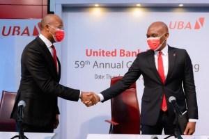Le Directeur général du Groupe UBA, Kennedy Uzoka et le PCA du Groupe UBA, Tony Elumelu, lors de la 59e assemblée générale annuelle de United Bank for Africa (UBA) Plc, qui s'est tenue à Lagos jeudi.