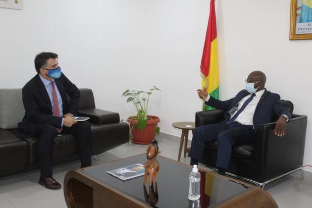 Visite de courtoisie de l'Ambassadeur d'Espagne en Guinée