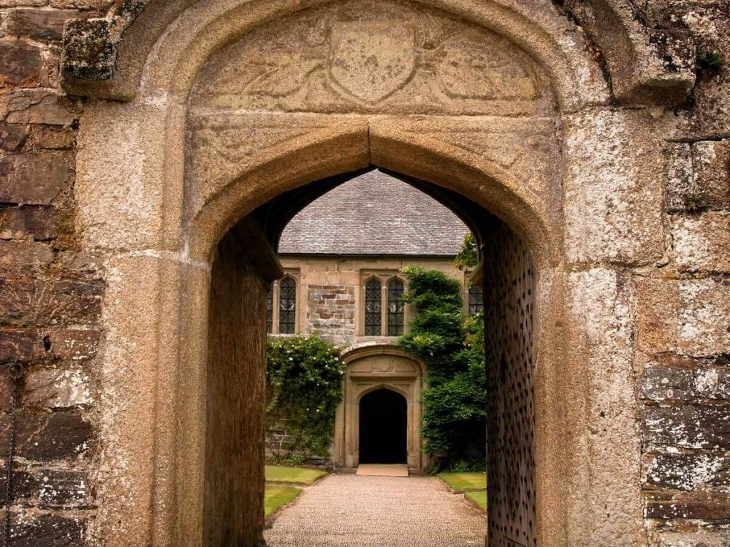 The Vanishing at Loxby Manor by Abigail Wilson