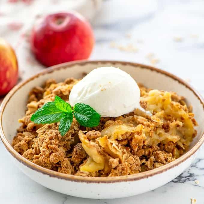 Old Fashioned Apple Crisp Recipe A Mind Full Mom