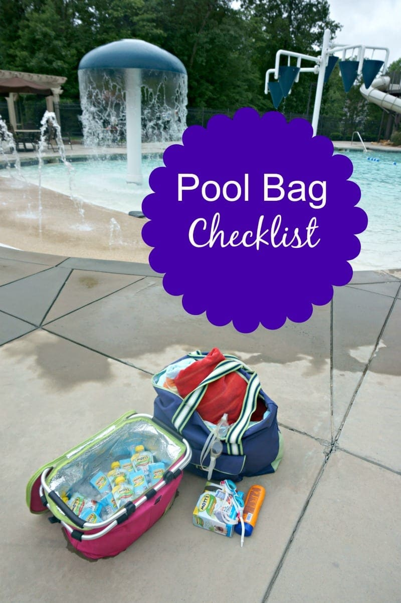 Pool Bag Checklist: The must-haves in your pool bag to guarantee a fun and safe day when spending it at the pool, lake, or beach. #MottsMovieBonus #CollectiveBias #ad
