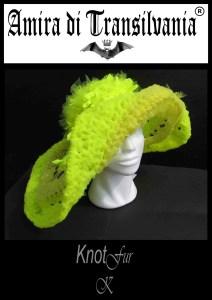 cappello giallo acido
