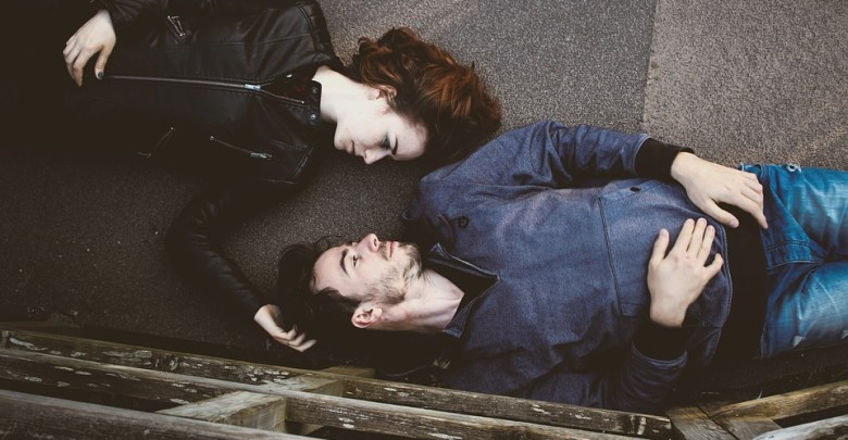 "Photo of انتحار رجل وزوجته من أجل معرفة "" هل هناك حياة بعد الموت ؟ """