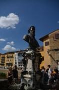 Ponte Vecchio mit Brunnen