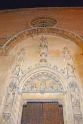 erstes Kirchenportal am Ankunftsabend