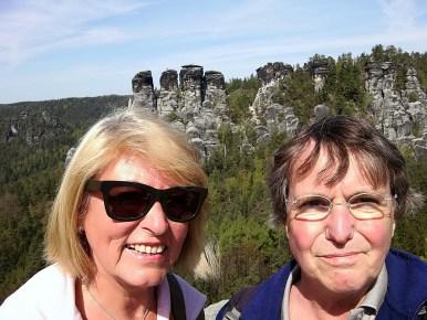 Touris im Elbsandsteingebirge