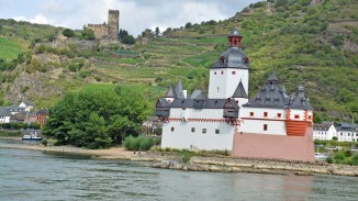 Rhein mit der Pfalz