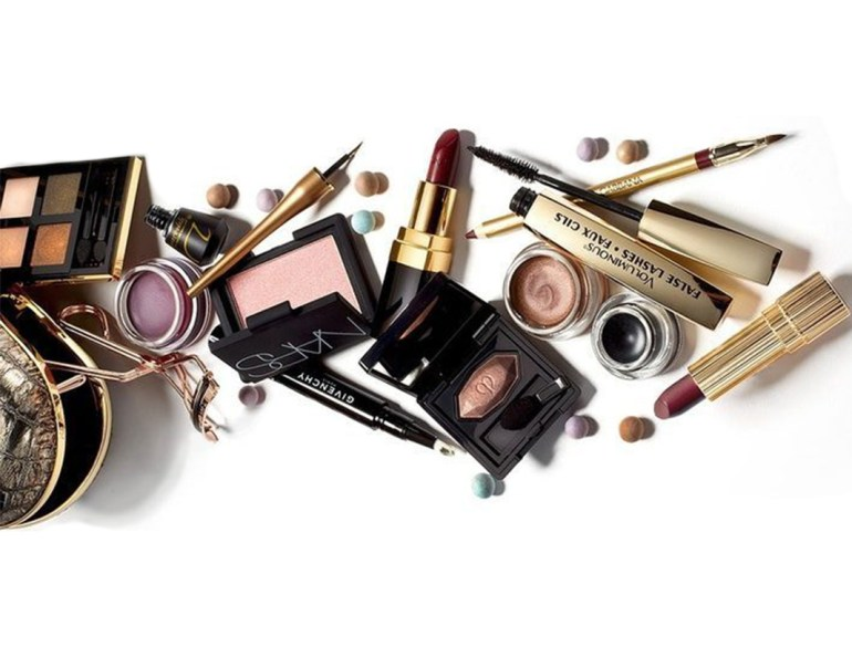 beauty products, makeup bag, beauty bag, makeup chemical free products