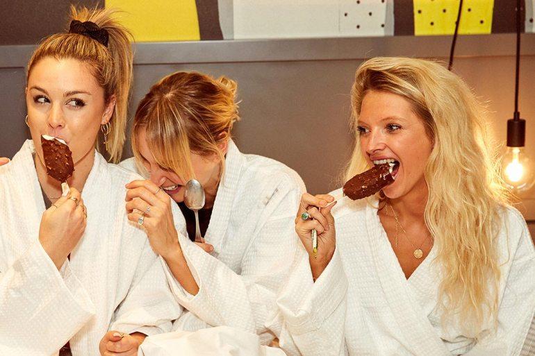 sporteluxe girls' night in