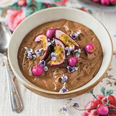 Antioxidant Recipe: Chocolate & Raspberry Smoothie Bowl Recipe
