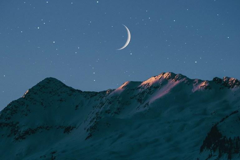 weekly horoscope, moon over sunrise