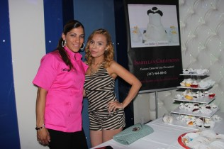 A Mommiez Fashion Diary (Yessenia Ramos) with Isabella Creations