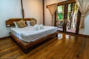 Baan Khao Sok Tree double deluxe inside