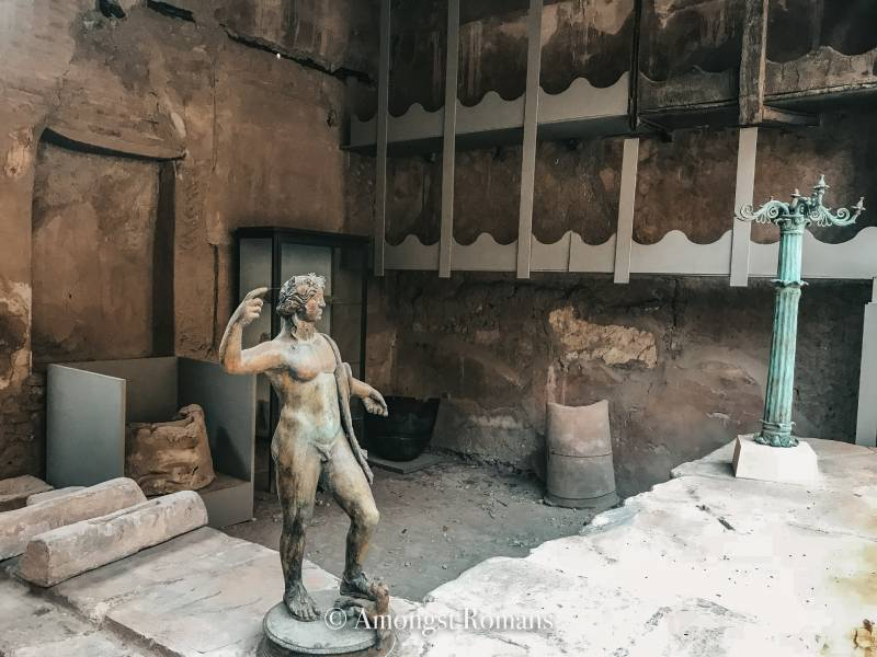Visiting Pompeii and Herculaneum: 2 ancient Roman cities lost to time