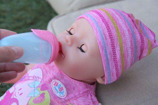 baby-born-biberon