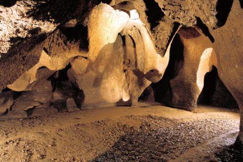 cuevas_prehistoricas-moia