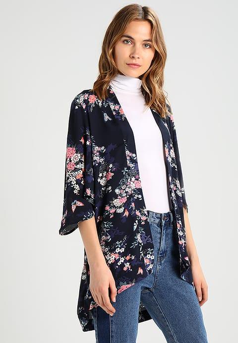 kimono-oriental