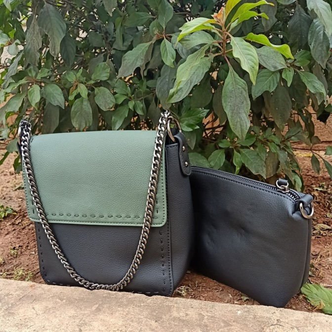 Black green sling