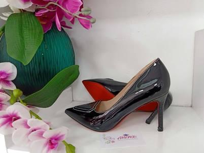 Black half croco heel
