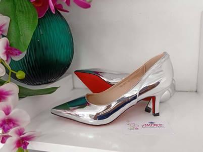 Silver back design kitty heel