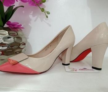 Beige block heel with peach front tip