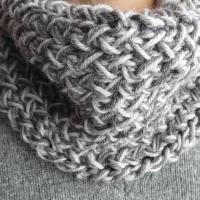 Scaldacollo a maglia (con spiegazioni)