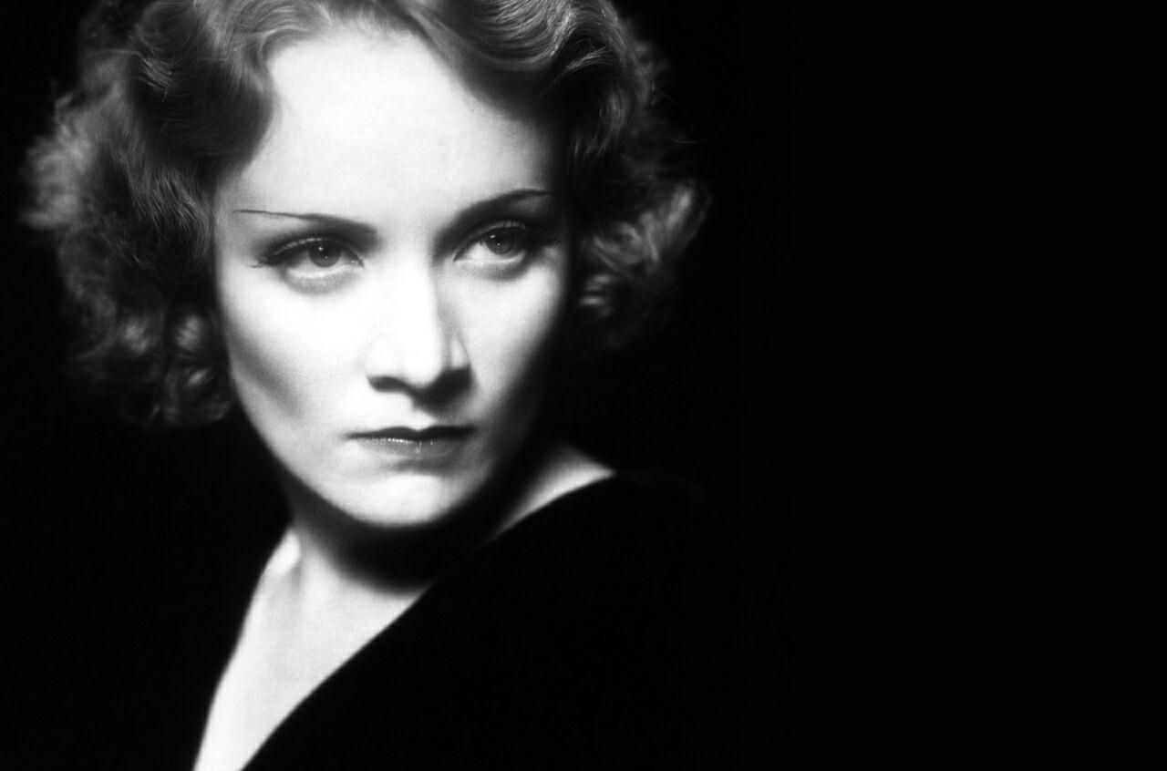 Ernest Hemingway a Marlene Dietrich