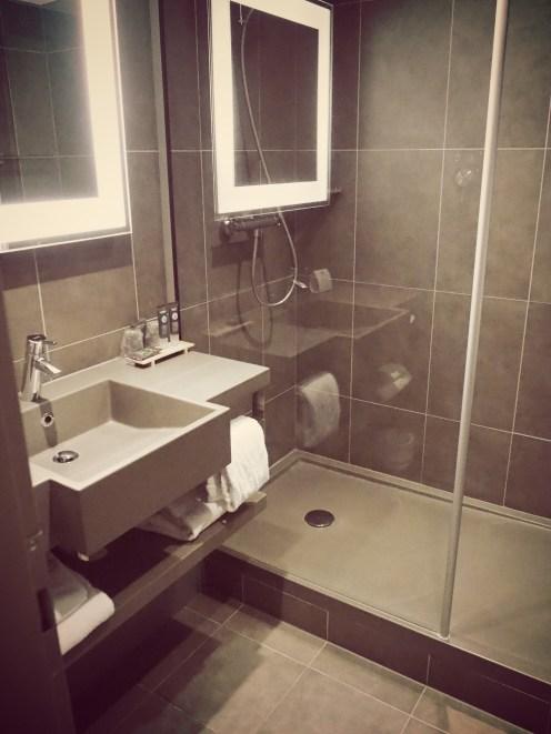 bathroom novotel brussels