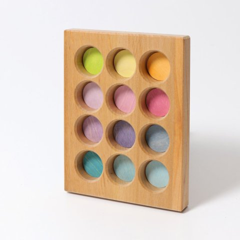 Grimms - wooden sorting plate pastel