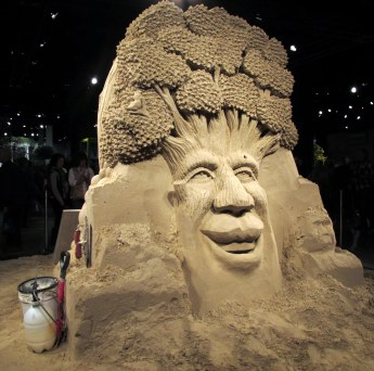 Grady Sand Sculpture: tree sculpture