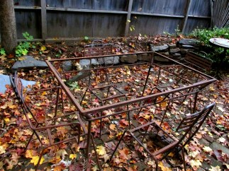 metal chairs and table, Oct. 2015