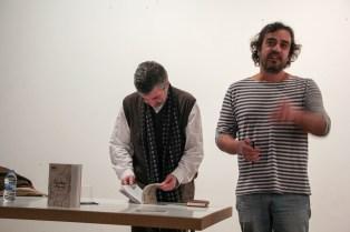Pedro Feijoo e Manuel Bragado na presentación do libro 'Camiñar o Vigo Vello' no Instituto Camões.