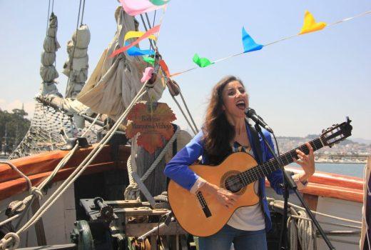 A artista Najla Shami na presentación aos medios de Agosto na Ría.