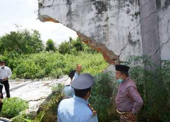 Al Haris Saat Meninjau Tembok Lapas Sarolangun yang Roboh