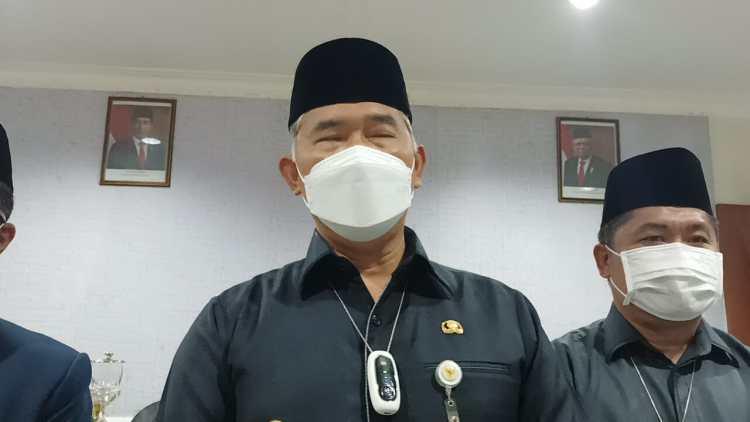 Walikota Jambi Syarif Fasha saat diwawancarai wartawan/Foto:Ichsan/ampar